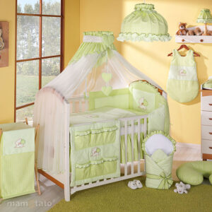 Baldahīna aizkars bērnu gultai